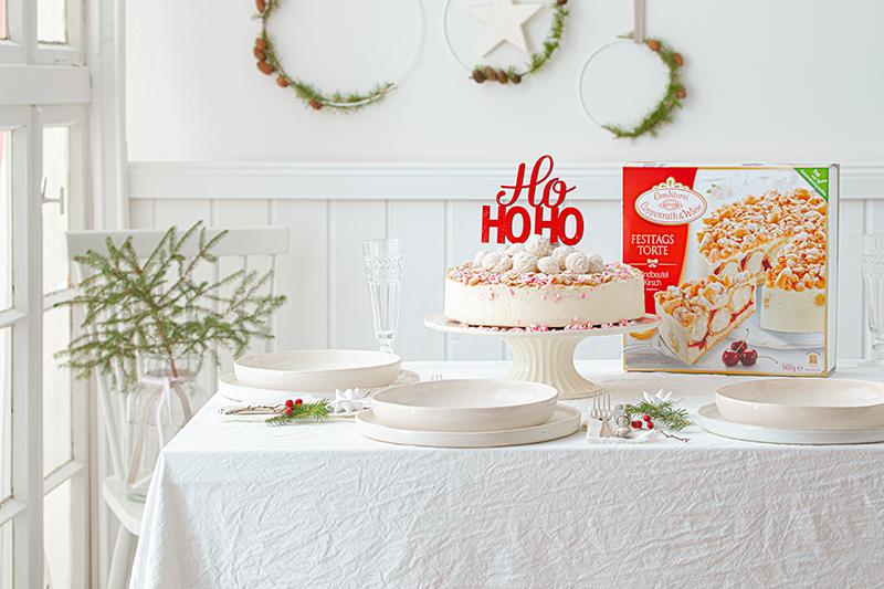 Weihnachtliche Windbeutel-Kirsch-Torte 35