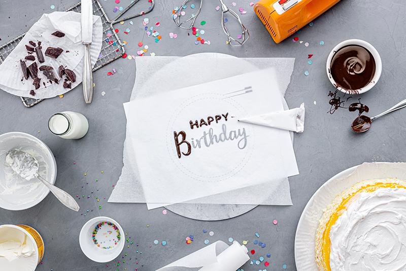 Geburtstagstorte mit DIY-Lettering-Schriftzug 20