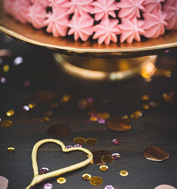 Torte zum 18. Geburtstag: Schokoladentorte mit Wunderkerzen 9
