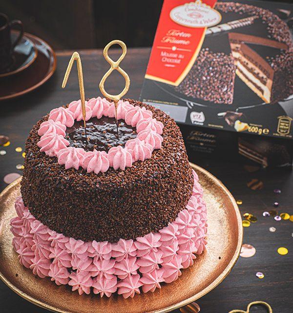 Torte zum 18. Geburtstag: Schokoladentorte mit Wunderkerzen 10