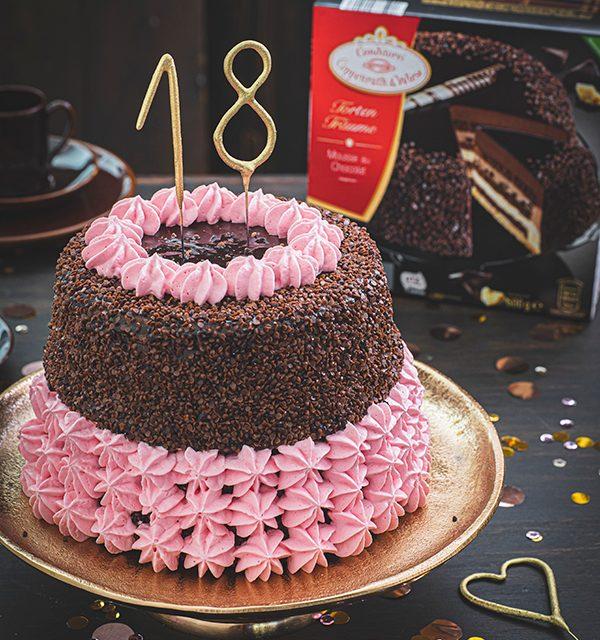 Torte zum 18. Geburtstag: Schokoladentorte mit Wunderkerzen 11