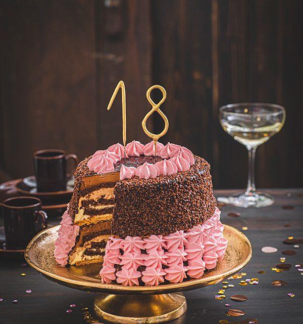 Torte zum 18. Geburtstag: Schokoladentorte mit Wunderkerzen 15