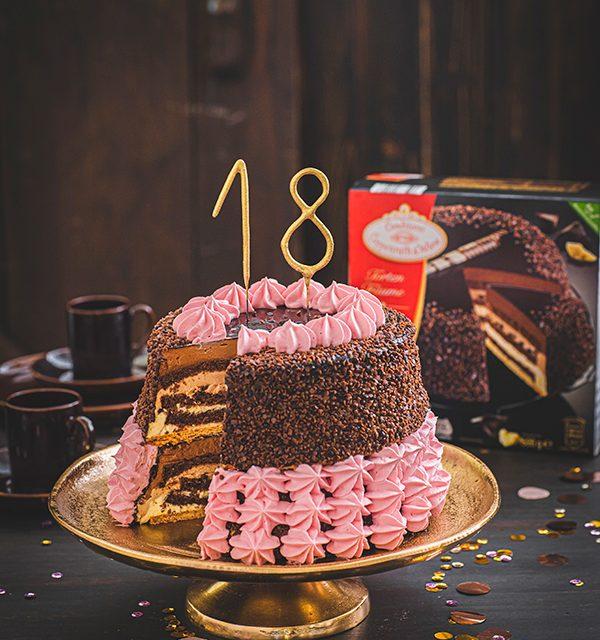 Torte zum 18. Geburtstag: Schokoladentorte mit Wunderkerzen 16