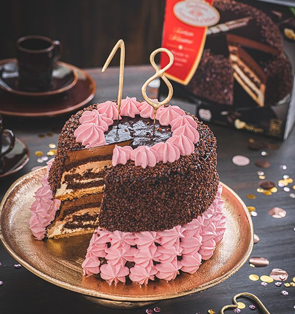 Torte zum 18. Geburtstag: Schokoladentorte mit Wunderkerzen 17