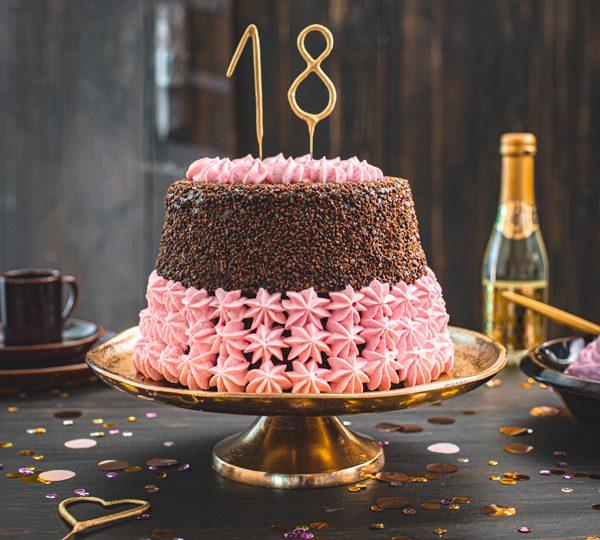 Torte zum 18. Geburtstag: Schokoladentorte mit Wunderkerzen 2