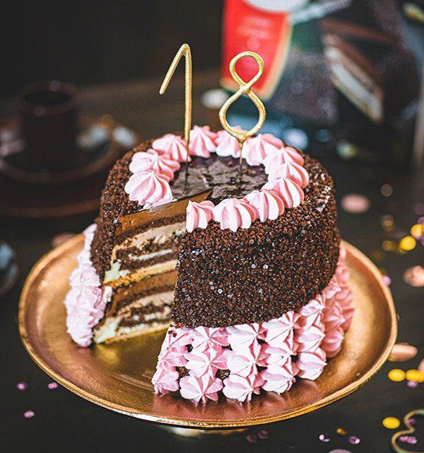 Torte zum 18. Geburtstag: Schokoladentorte mit Wunderkerzen 31