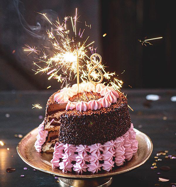 Torte zum 18. Geburtstag: Schokoladentorte mit Wunderkerzen 35