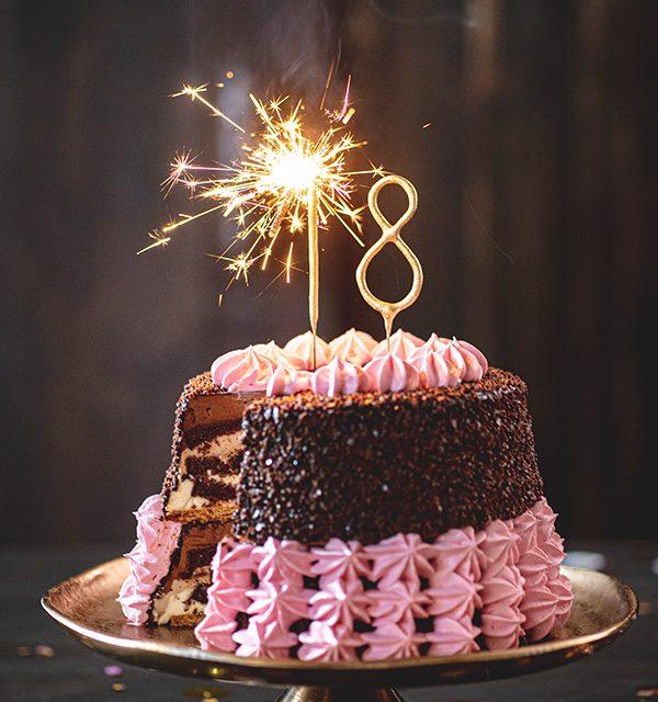 Torte zum 18. Geburtstag: Schokoladentorte mit Wunderkerzen 36