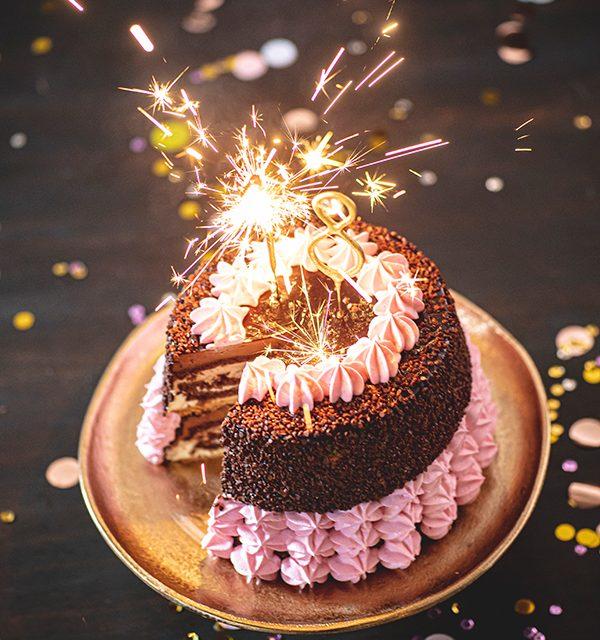 Torte zum 18. Geburtstag: Schokoladentorte mit Wunderkerzen 37