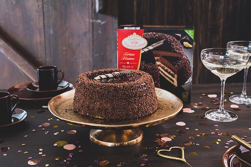 Torte zum 18. Geburtstag: Schokoladentorte mit Wunderkerzen 40