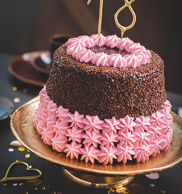 Torte zum 18. Geburtstag: Schokoladentorte mit Wunderkerzen 4