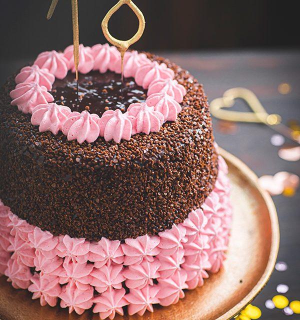 Torte zum 18. Geburtstag: Schokoladentorte mit Wunderkerzen 5
