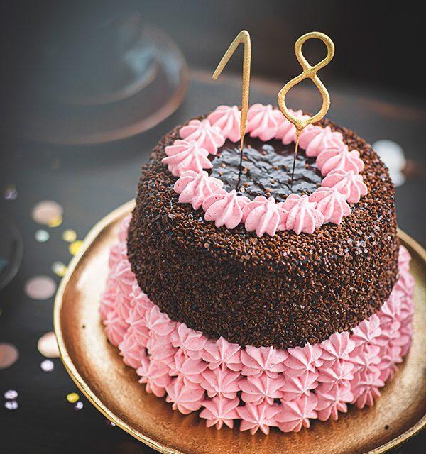 Torte zum 18. Geburtstag: Schokoladentorte mit Wunderkerzen 6