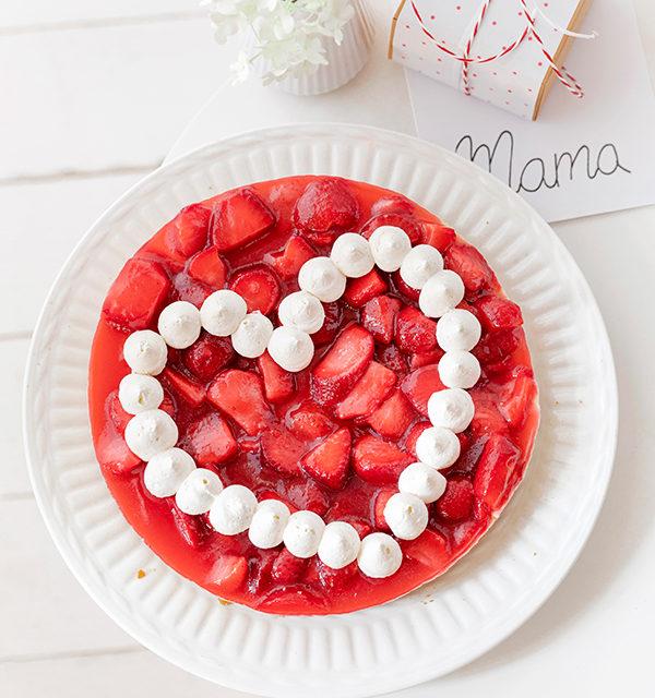 Zum Muttertag: Erdbeerkuchen mit Herz 15