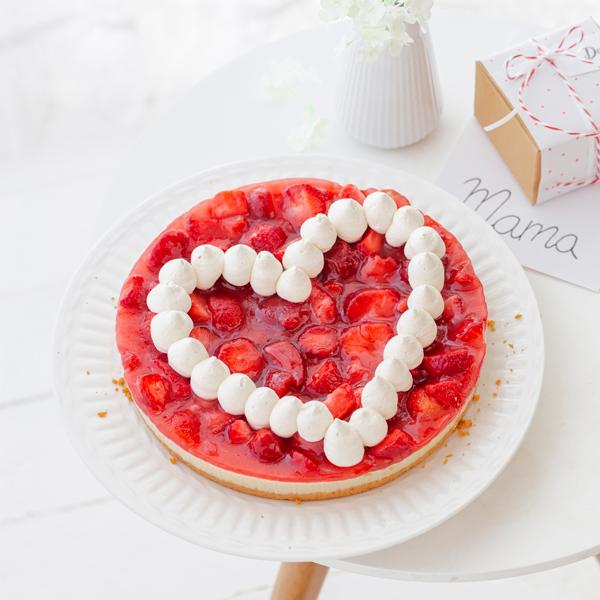 Zum Muttertag: Erdbeerkuchen mit Herz