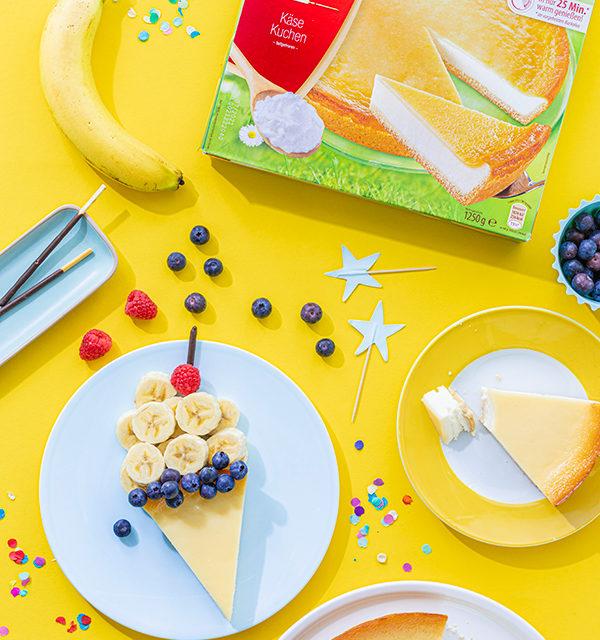 Kreatives Essen für Kinder: Eistüte aus Käsekuchen und Obst 12