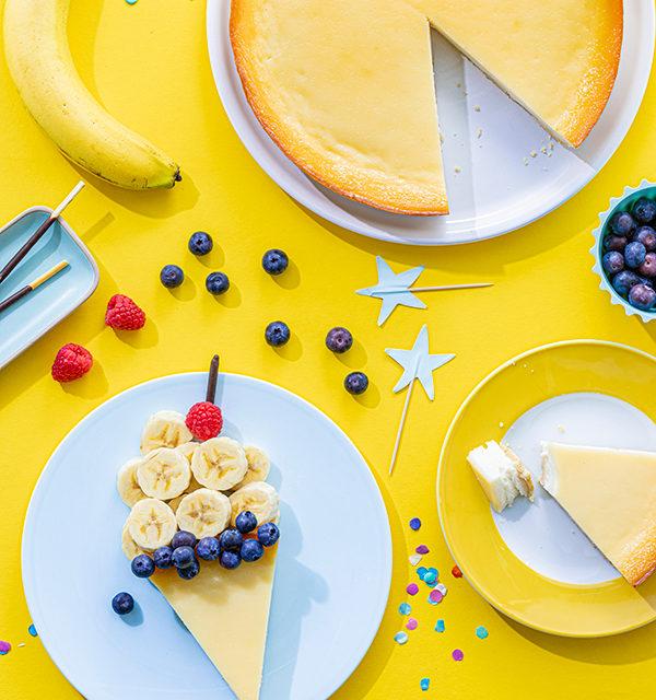 Kreatives Essen für Kinder: Eistüte aus Käsekuchen und Obst 13