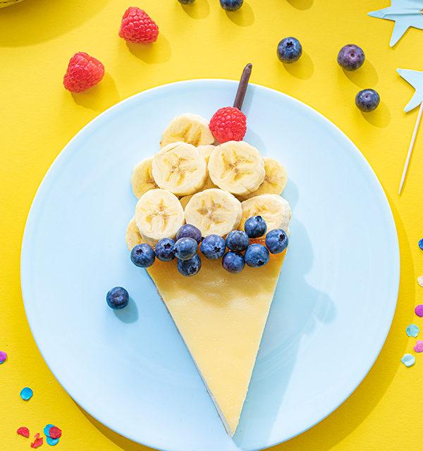 Kreatives Essen für Kinder: Eistüte aus Käsekuchen und Obst 15