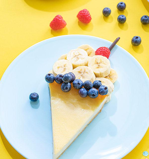 Kreatives Essen für Kinder: Eistüte aus Käsekuchen und Obst 16
