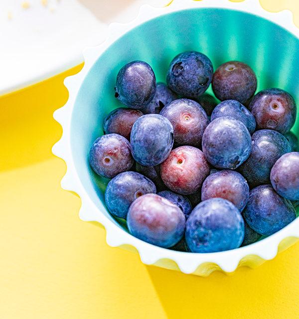 Kreatives Essen für Kinder: Eistüte aus Käsekuchen und Obst 17