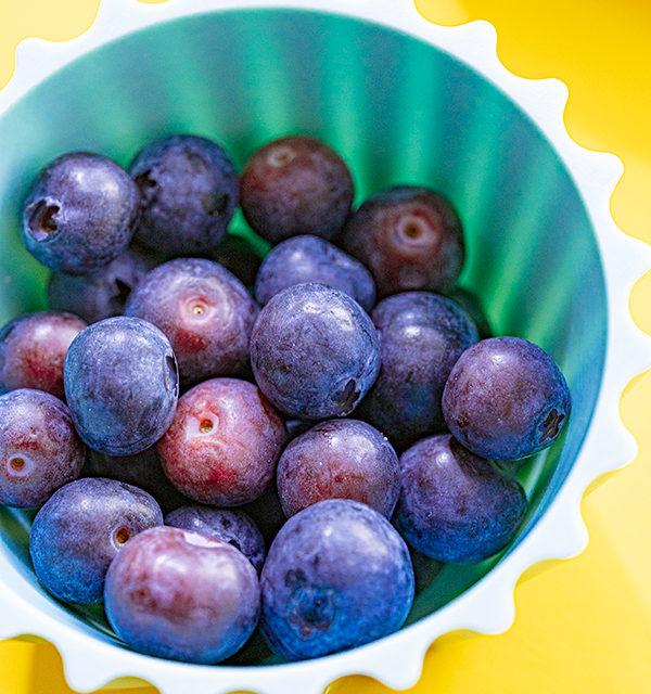 Kreatives Essen für Kinder: Eistüte aus Käsekuchen und Obst 18