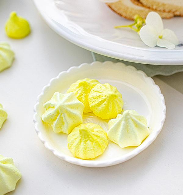 Zitronen-Sahne-Rolle im Sommerlook 17