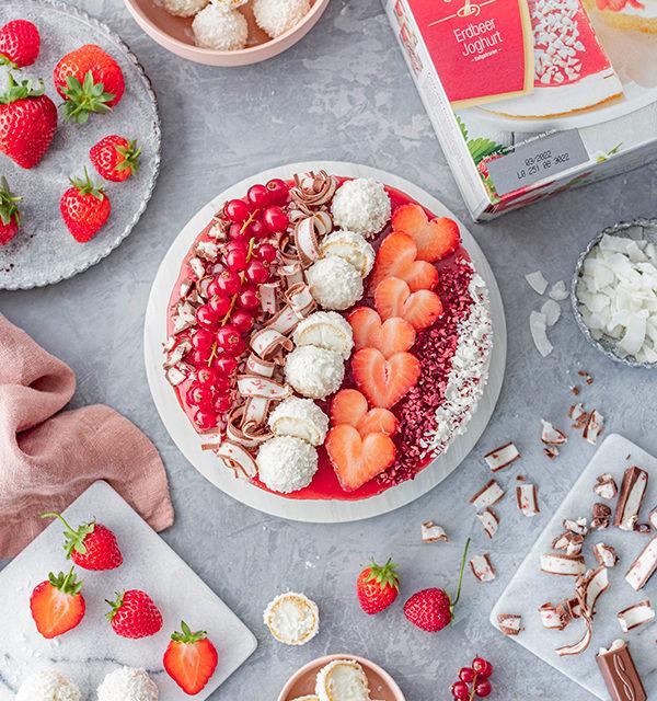 Erdbeer-Torte mit Raffaello 14
