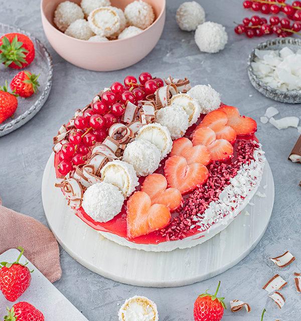 Erdbeer-Torte mit Raffaello 16