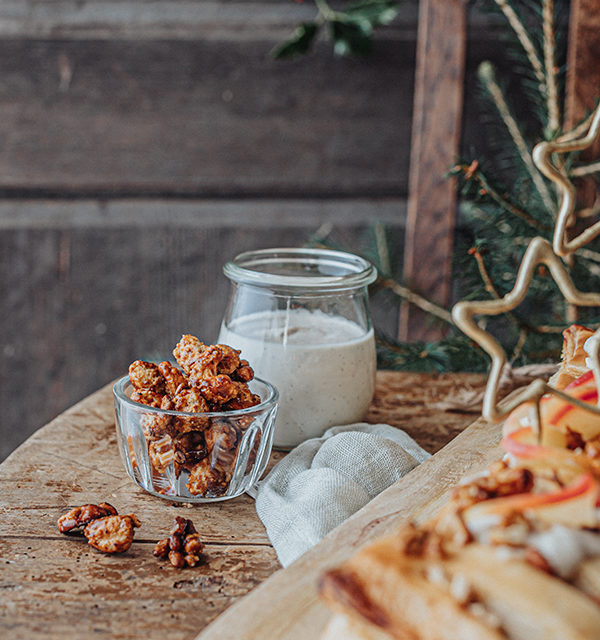Veganes Weihnachtsrezept: Apfelstrudel mit Cashew-Vanillesoße 15
