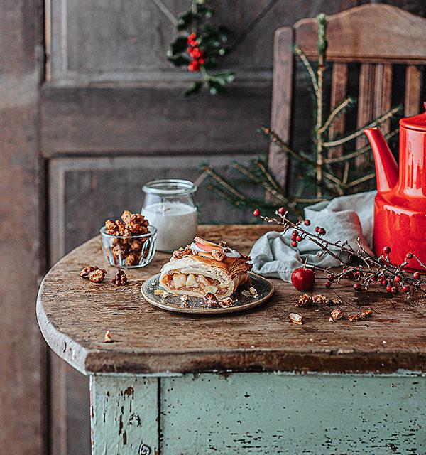 Veganes Weihnachtsrezept: Apfelstrudel mit Cashew-Vanillesoße 17