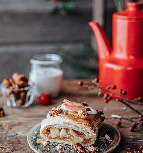 Veganes Weihnachtsrezept: Apfelstrudel mit Cashew-Vanillesoße 18