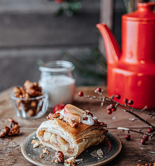 Veganes Weihnachtsrezept: Apfelstrudel mit Cashew-Vanillesoße 19