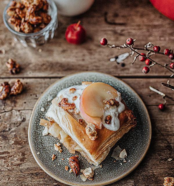 Veganes Weihnachtsrezept: Apfelstrudel mit Cashew-Vanillesoße 20