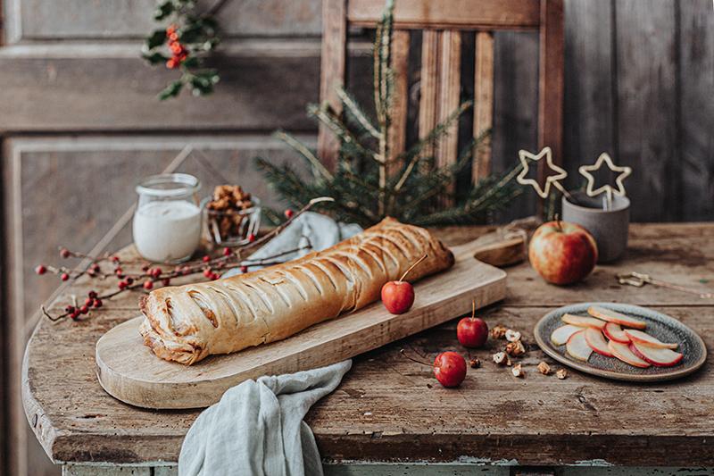 Veganes Weihnachtsrezept: Apfelstrudel mit Cashew-Vanillesoße 26
