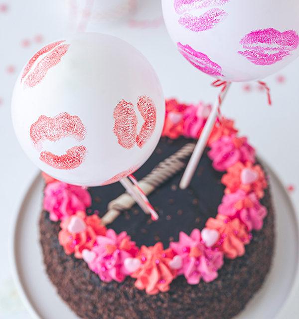 Valentinstorte mit Luftballon-Dekor 10