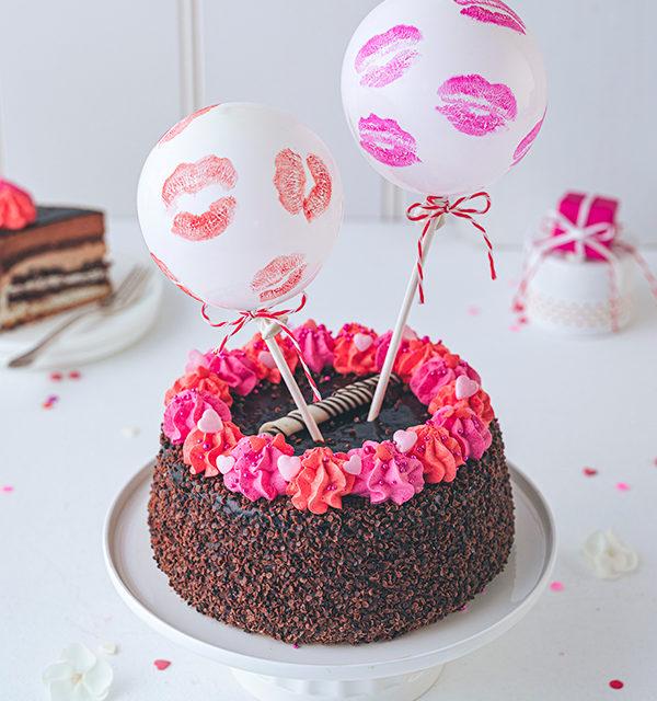Valentinstorte mit Luftballon-Dekor 8