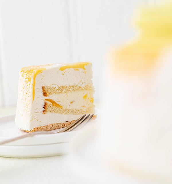Batida de Côco-Torte mit Osterdekor 19
