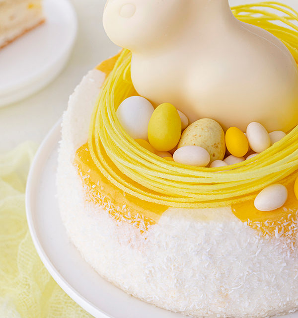 Batida de Côco-Torte mit Osterdekor 29