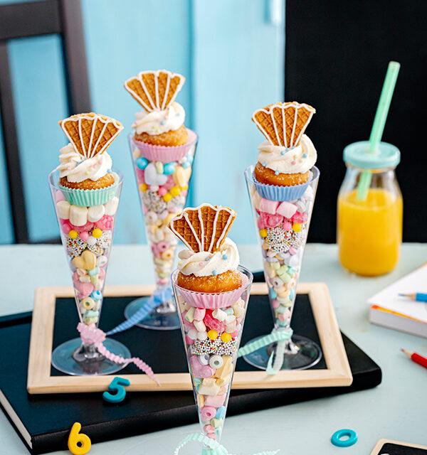 Blitzrezept zur Einschulung: Schultüten-Gläser mit Berlinern und Süßigkeiten 5