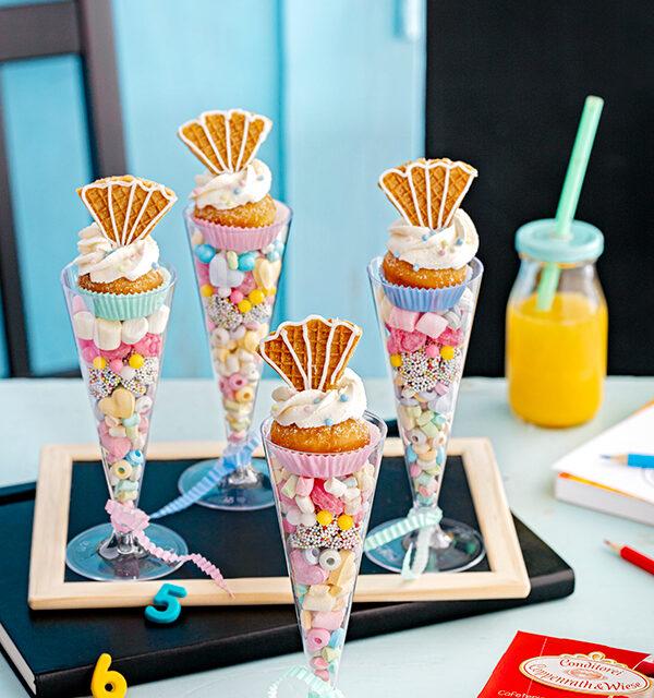 Blitzrezept zur Einschulung: Schultüten-Gläser mit Berlinern und Süßigkeiten 6